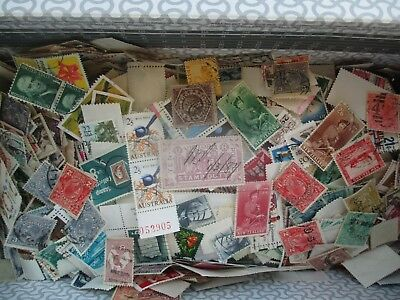 ESTATE: World in box unchecked unsorted as received so much here  (b5)