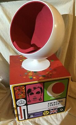 Poppy Parker Swinging London Collection 1:6 Scale Ball Chair - New
