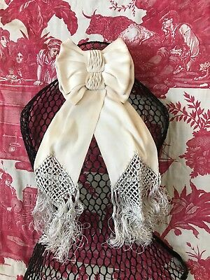 Antique C1900 French Cream Silk Communion Bow beautiful tassels