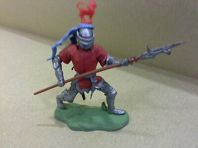 BRITAINS SWOPPET  KNIGHT PIKEMAN RED VINTAGE 1960's