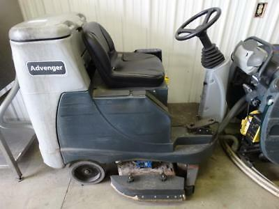 Nilfisk Advance Advenger 3405D-C 3405 Commercial Floor Cleaning Machine w/ Key
