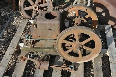 Original Fairbanks Morse Model Z 1 1/2 HP Hit & Miss Style Gas Engine