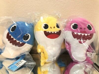 Pinkfong Baby Shark Mommy Daddy Singing Sharks Official Song Doll By WowWee NEW