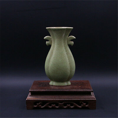 Chinese ancient antique hand make  Green glazed two ears vase