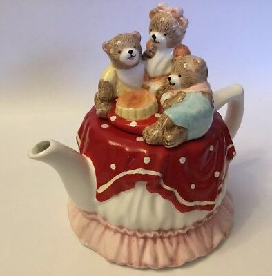 Collectable Novelty Teapot Leonardo Teddy Bears Picnic Design
