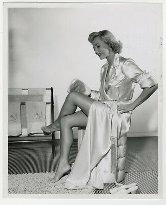 Virginia Mayo Jean Nate After Bath Beauty Routine Advertising Photograph 1950