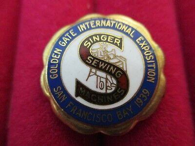 Rare SINGER SEWING MACHINES Golden GATE EXPO SAN FRANCISCO 1939 Exposition PIN