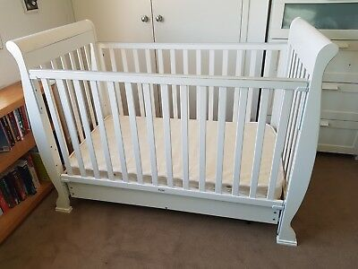 White sleigh cot / convertible toddler bed