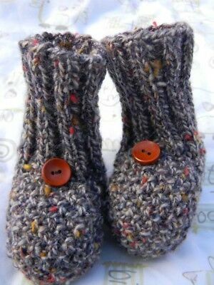 New Handmade Knitted Baby Socks With Wooden Button Brown Size 3-6m (9cm)