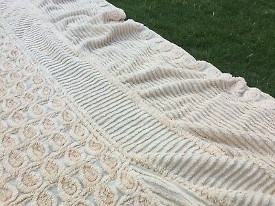 Beautiful Vintage Tufty candlewick bedspread top cover blanket throw double bed