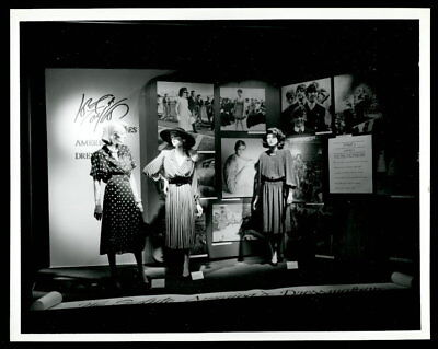 Vintage MANNEQUINS Studio Photo 1980s LORD & TAYLOR NYC Now Closed Forever
