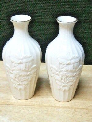 Pair Of Lenox Vases With Iris Flowers   Usa    Excellent Condition