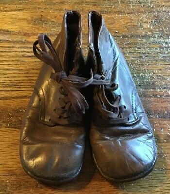 Vintage Toddler boys brown high top  Leahter shoes with hard soles VGVC.