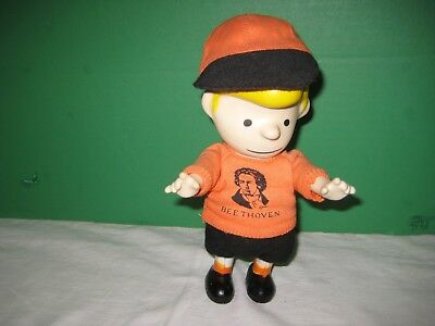 Beethoven Pocket Doll 1996  Schroeder Peanuts Character With Hat 7 inches tall