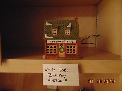 Dept. 56 Heritage Village Dickens' Village White Horse Bakery Excellent Cond.