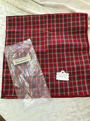 Longaberger Plaid Tidings Fabric Napkins and Placemats (set of 5 each)