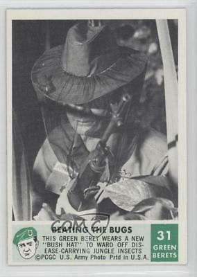 1966 Philadelphia Men of Green Berets #31 Beating the Bugs Non-Sports Card 9gm
