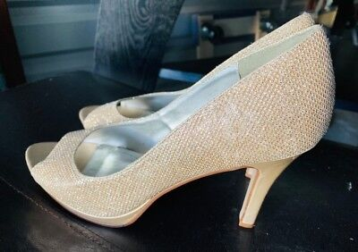 2754d1fb4 DAVID S BRIDAL GOLD Shoes Size 10 Wedding -  15.00