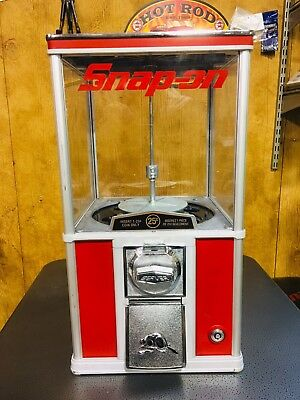 Snap-Tools Beaver Gum Ball Machine