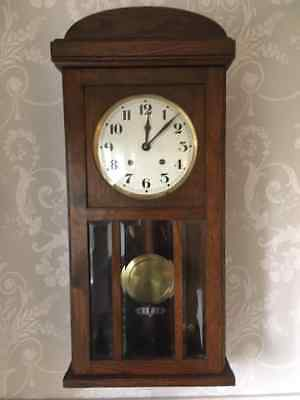 Beautiful Vintage Antique Striking Chiming Pendulum French Country Clock Oak