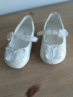 Monsoon Baby Girl White Lace Infant Shoes Size UK4
