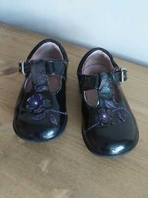 Clarks Infant Size 4G Shoes Black With Flower Detail