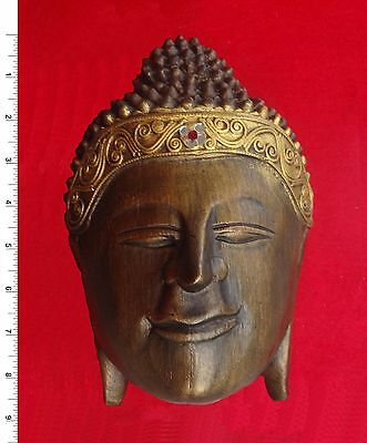 Thai Buddha Face Image - Wood Texture    Carved Wooden Sculpture