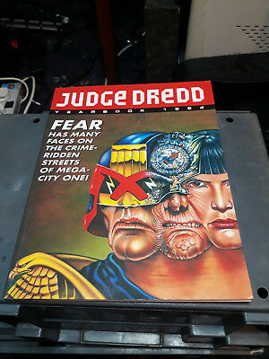 Judge Dredd Yearbook 1994. FREE POSTAGE