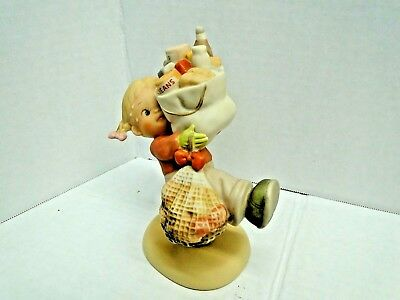 Memories of Yesterday - Lucie Attwell - Enesco 1989 #522406 Must Feed Them