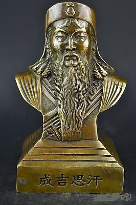 China Collectible Old Copper Handwork Cast Genghis Khan Favorer Noble Statue
