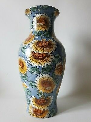 vase en porcelaine  a décor de tournesol