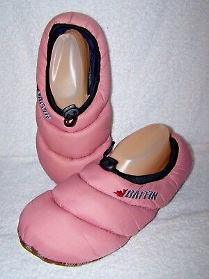 8258bfdc149 Baffin Cush Womens Pink Closed Toe Slip On Slippers Sz Large 9-10