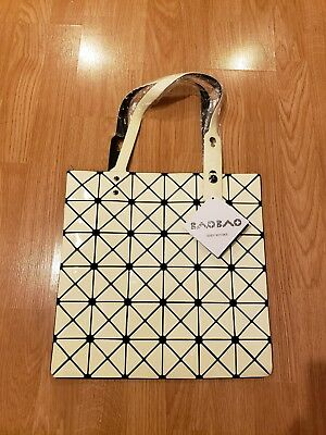 3cb7a9ba6fe AUTHENTIC BAO BAO Issey Miyake Lucent Basics Tote Bag White ...