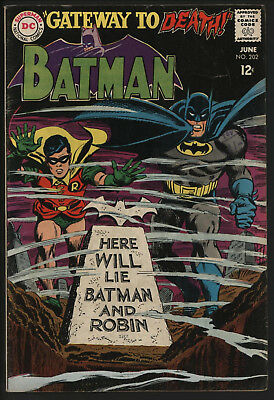 Batman 202. Great Infantino Cover. Nice Off White/ White Pages