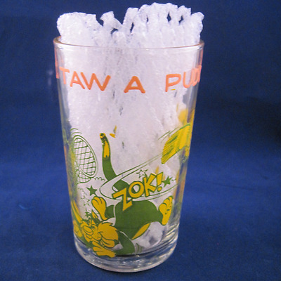 1970's Sylvester & Tweety Bird Glass Cup Green Vintage