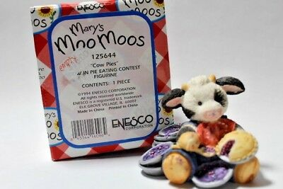 """Mary's Moo Moos """"Cow Pies"""" Cow in a Pie Eating Contest  #125644"""