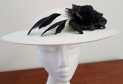 Vintage 80s WHITE Synthetic Straw BLACK WHITE FLORAL Decorated Wide Brim HAT