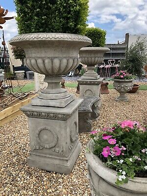 English Garden Urn on base a very classic look