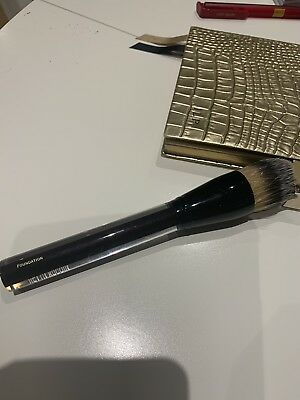 Kevyn Aucoin Foundation Brush