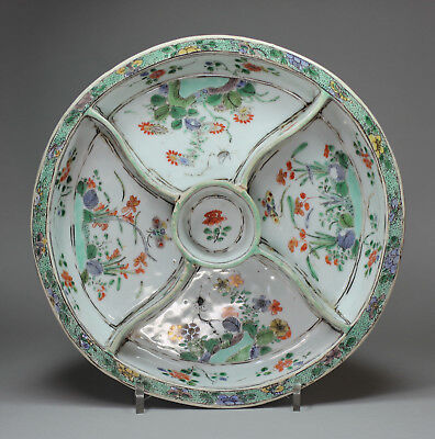 Antique Chinese famille verte hors d'oeuvre dish, Kangxi (1662-1722)