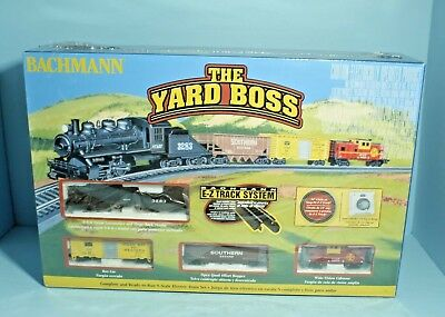 Bachmann The Yard Complete and Ready To Run N Scale Electric Train Set - 24014