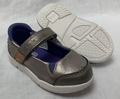 Clarks TRI PACE GUN METAL Girls Silver Leather Shoes 9-1 FG Fit NEW BOXED