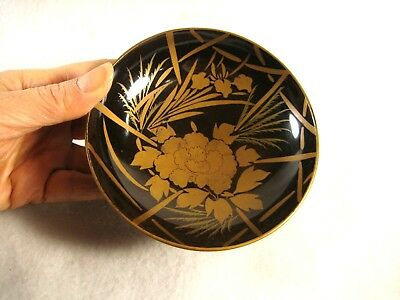 ANTIQUE JAPANESE c. 1880 BLACK LACQUER SAKAZUKI SAKE CUP PEONY FLOWER