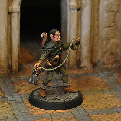 Otherworld Miniatures D&D -  ELF THIEF IN LEATHER WITH GRAPPLING HOOK  (NEW!!)