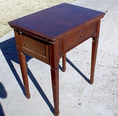 Vintage / Antique SOLID Singer Sewing Machine Cabinet 66 15 201