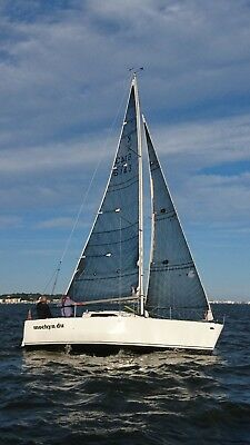 sailing yacht 24 ft - fully refitted and winning races