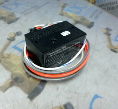 Veris Industries Hawkeye 120 Spst Enclosed Relay/Current Switch