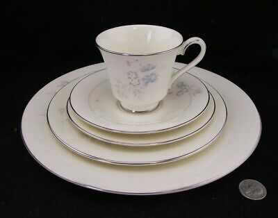 Royal Doulton Romance Jessica H5101   5Pc Place Setting  Cup Saucer Dinner H5101