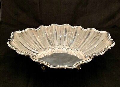 Reed & Barton Large Fluted Sterling Centerpiece Bowl Paw Footed x811 1946