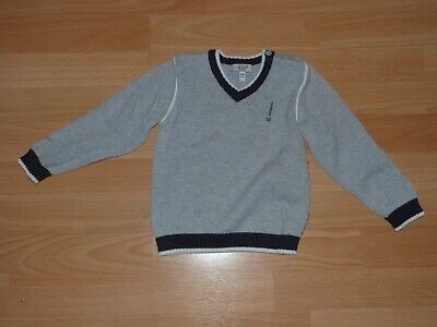 Adorable Pull Armani Taille 24 Mois